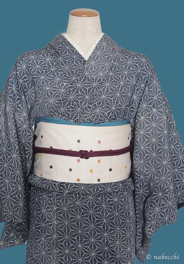 紫の帯締めとターコイズブルーの帯揚げ 麻の葉柄着物コーディネート