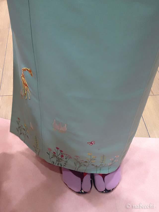 ふりふの着物 裾刺繍