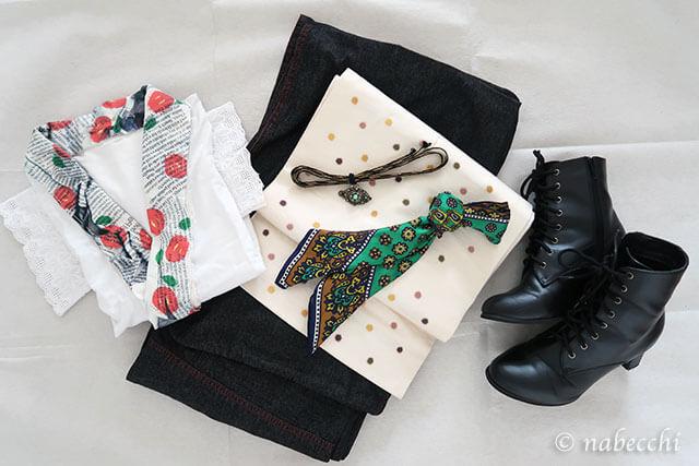 ツイリースカーフとターコイズブローチ カジュアル雨用着物