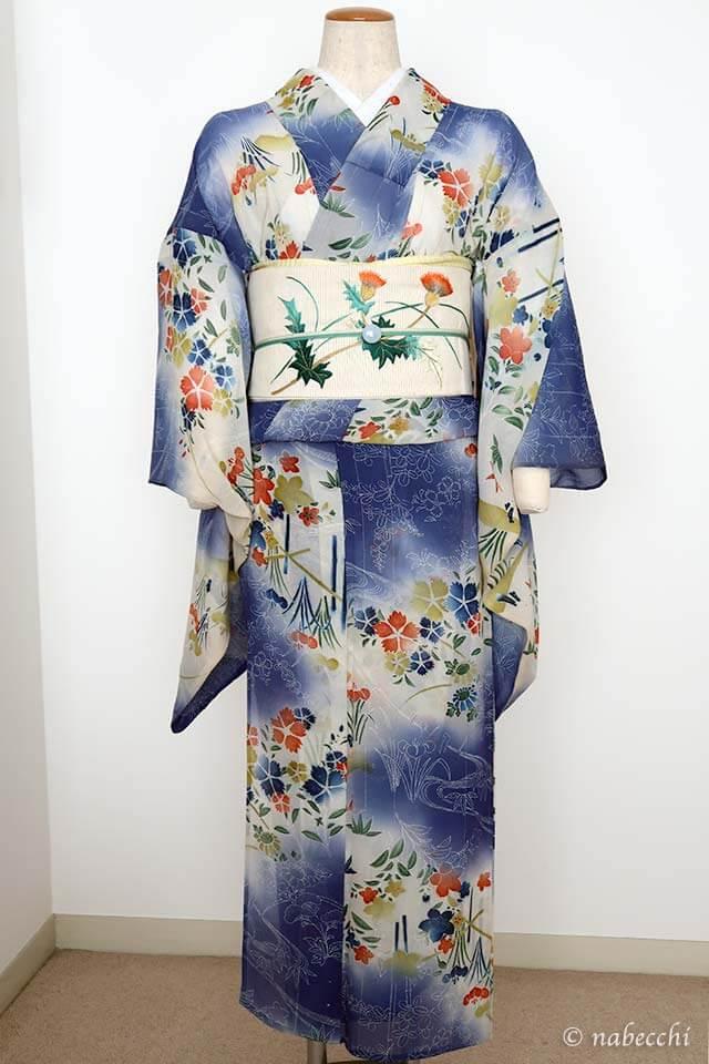 白地刺繍アザミ柄夏帯 × アンティーク夏着物 爽やかコーデ 前姿