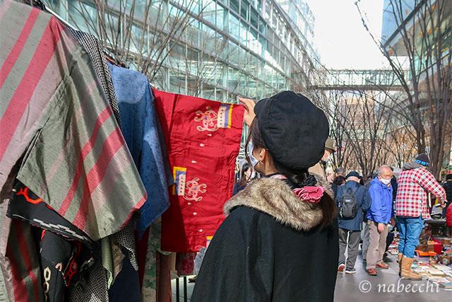 冬の大江戸骨董市で着物探し
