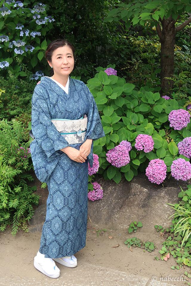 紫陽花に青×白の単衣着物コーデ 前姿