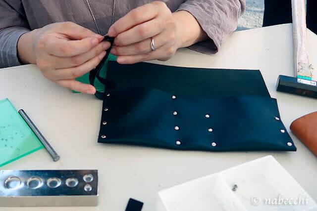 ベルトにマジックテープとつける 加熱式たばこ用レザーケース作り