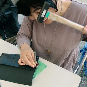 革漉きを学ぶ・漉き機の練習 – 浅草レザークラフト教室2