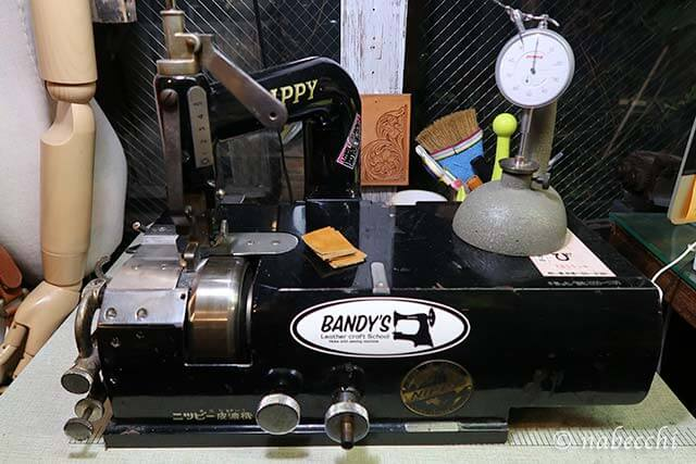 ニッピ革漉き機