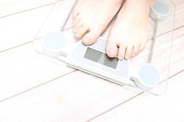 体重計にのる
