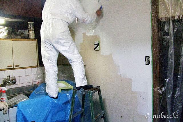 台所 壁ペンキ塗り