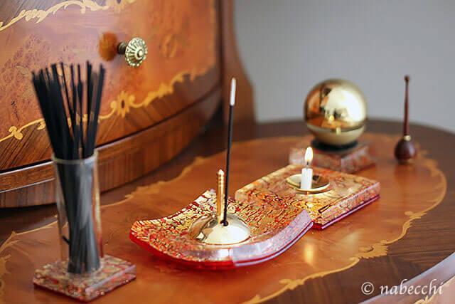 現代仏具セット イタリア製 ヴェネツィアンガラス(花立・香炉・火立) とグッドデザインのリン「たまゆら」