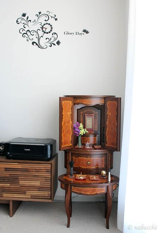 イタリア製現代仏壇「マリア」をリビングに設置