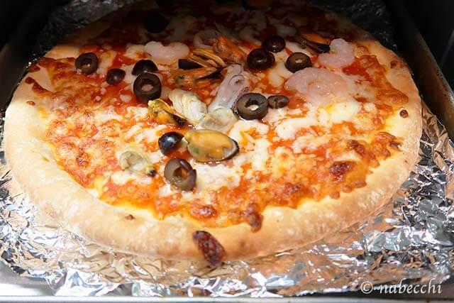 コンベンションオーブンTSF601でピザ焼き上がり