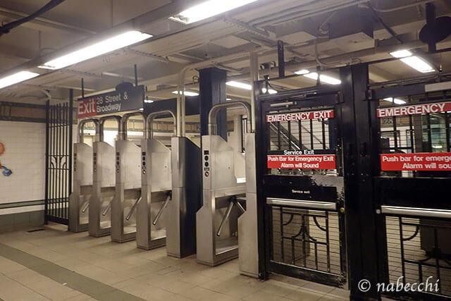 ニューヨーク地下鉄改札