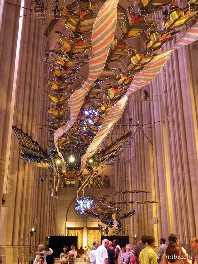 ント ジョン ディバイン大聖堂「不死鳥」