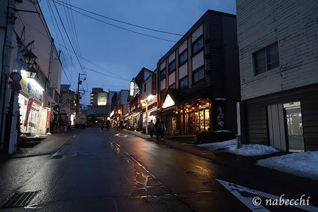 夜の登別温泉街