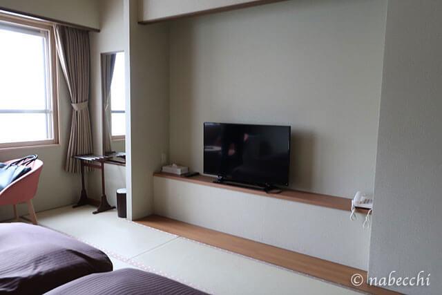 テレビと姿見 登別温泉 ホテルまほろば