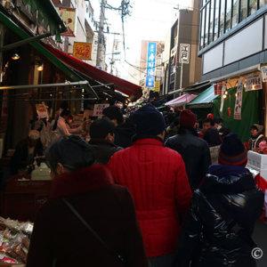 豊洲移転でも築地人気は衰えず。12月30日『築地場外市場』へGO