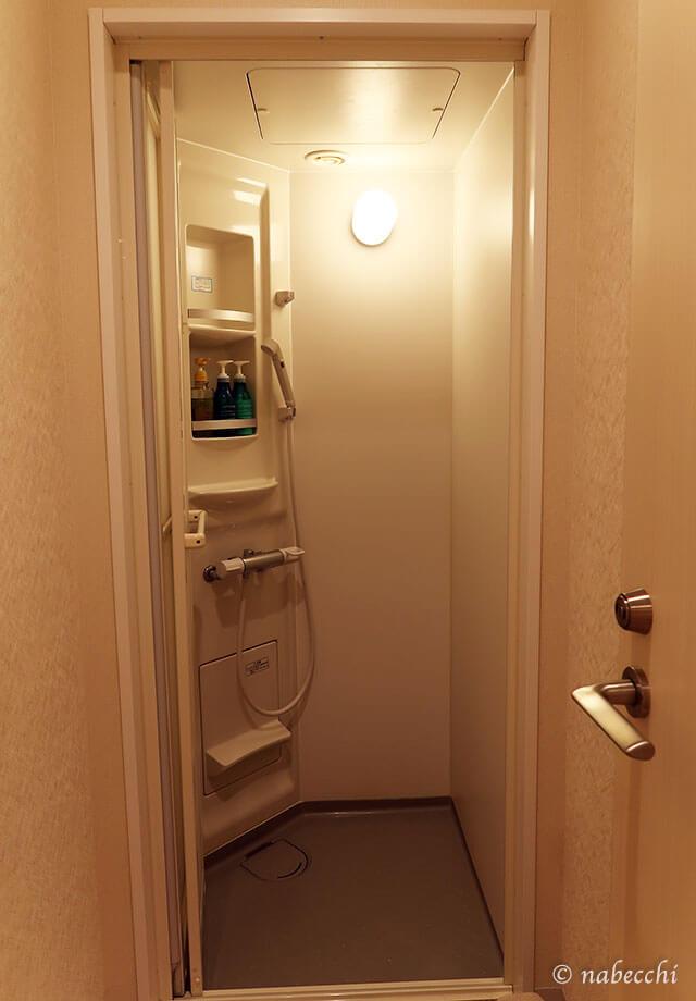 シャワーブース カプセルホテル「お宿 Haru's」