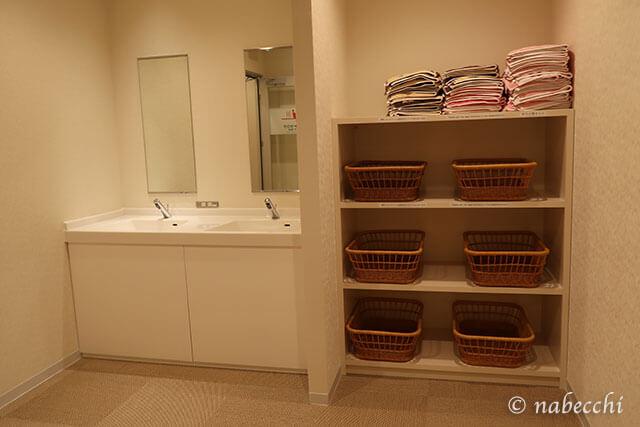 脱衣室 カプセルホテル「お宿 Haru's」