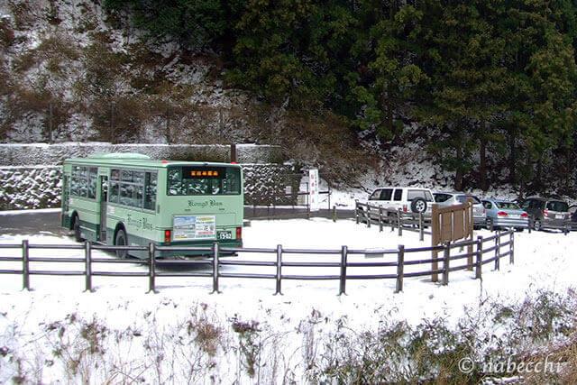 大雪の日 金剛山水越峠バス停