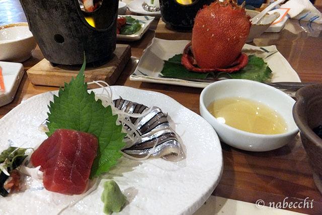 ホテル 屋久島山荘 きびなごの刺身とアサヒ蟹の姿茹