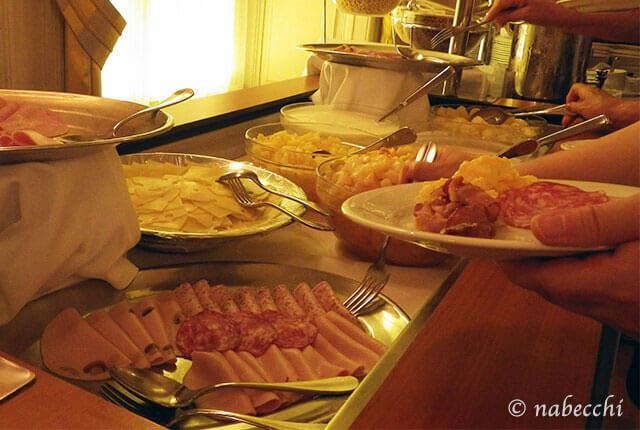 スイス・ルツェルン『Grand Hotel Europe』朝食ビュッフェ