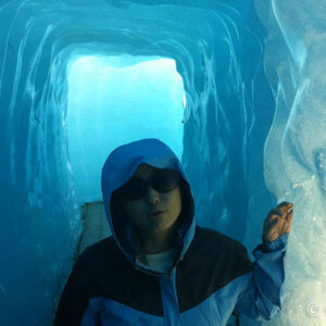 長崎・九十九島でシーカヤック。狭い岩肌すり抜け無人島ランチも旨い