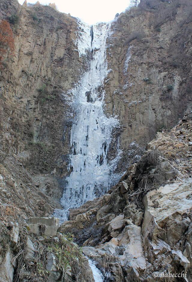 凍る古閑の滝