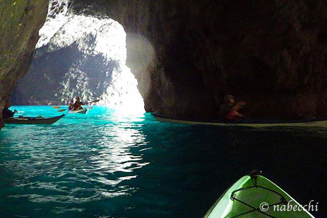 青の洞窟内 塩谷海岸