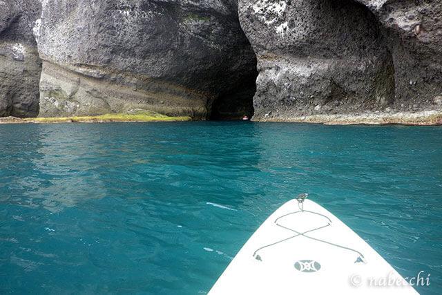 青の洞窟入り口 塩谷海岸