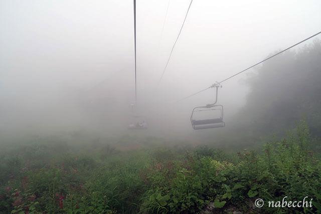 霧に包まれた白馬八方アルペンクワッドリフト