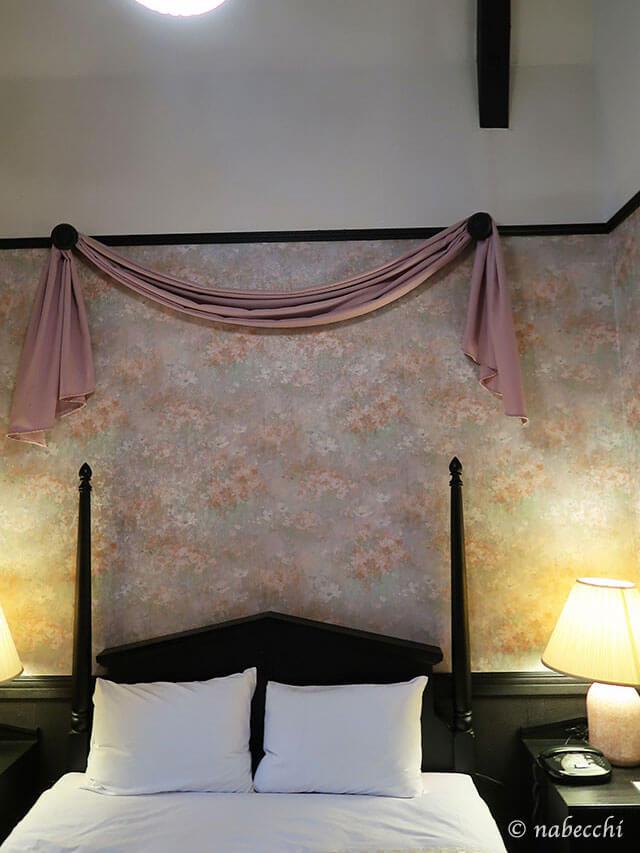 白馬八方ホテル「トロイメライ」ダブルベッド