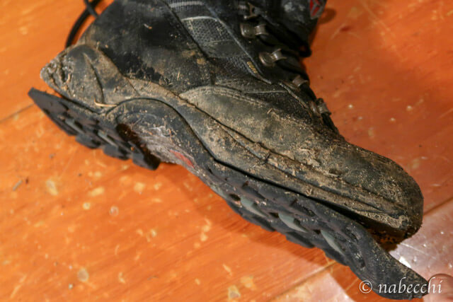 焼岳登山土砂降りで壊れた登山靴