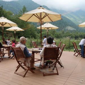 夏の上高地「ホテル白樺荘」で穂高連峰を眺めながら朝食バイキング
