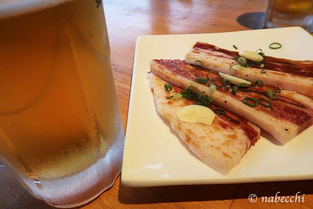 ビールと骨付きカルビ